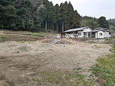 常磐線「小木津」駅をご利用いただけます。
