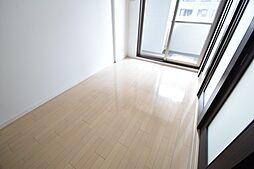 プライムアーバン堺筋本町の洋室