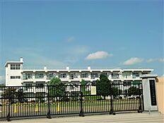 土浦市立上大津西小学校(1559m)