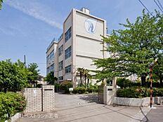 足立区立青井中学校まで320m