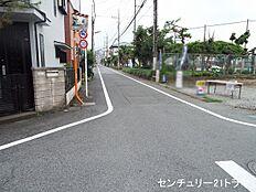 南側接道(平成29年6月下旬撮影)