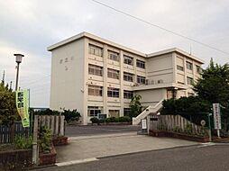 衣丘小学校 1000m