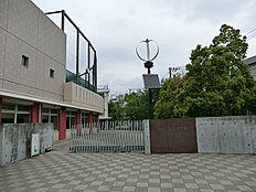 渋谷区立上原中学校(約1400m徒歩18分)