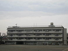 西東京市立田無第二中学校まで255m、西東京市立田無第二中学校まで徒歩約4分。
