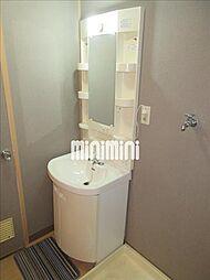 GIFU長住ビルの独立洗面台完備です。