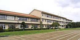 かすみがうら市立霞ヶ浦中学校(2705m)