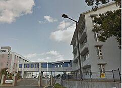 中学校貴志川中学校まで1326m