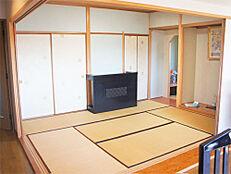 押入れ床の間付きの和室