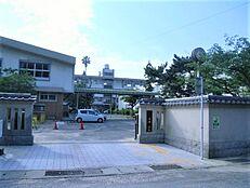 豊浦小学校、600m徒歩8分