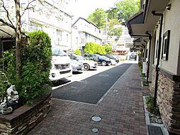[テラスハウス] 東京都世田谷区成城4丁目 の賃貸【/】の外観