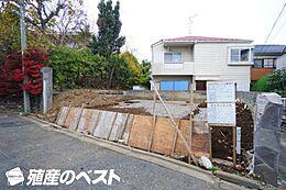 第一種低層住居専用地域。周辺は落ち着いた住宅が建ち並び住環境良好です。