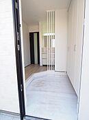 大容量の玄関シューズボックス