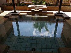 熱海と言えば温泉。湯量の豊富な温泉で日々の疲れを癒してください。