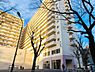 大きく佇む駅前の存在感のあるマンションです。一階にはグルメシティがあり足りないものがあったら直ぐ買いに行けるとても便利な立地です。,3LDK,面積71.65m2,価格2,380万円,JR中央線 高尾駅 徒歩1分,京王高尾線 高尾駅 徒歩1分,東京都八王子市初沢町
