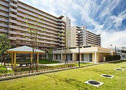 大阪府吹田市藤白台3丁目の賃貸マンションの外観