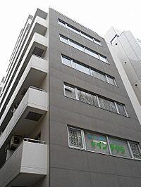 外観(横浜駅徒歩5分の好立地です。)