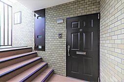 玄関対象住戸の玄関です。