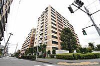 外観(11階建て145戸のエレガントな外観の「ライオンズガーデン是政」住まう方の心地よさを最優先にしました)