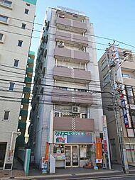 外観(総武線・都営新宿線・京成本線の3路線利用可能。駅徒歩3分の好立地です)