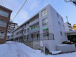 北海道札幌市豊平区平岸七条13丁目の賃貸マンションの外観