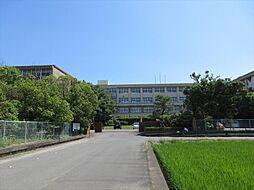 美和高校 校訓 「和して達」を合言葉に教職員と生徒が日々努力しています。 徒歩 約18分(約1440m)
