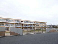 日立市立坂本小学校(566m)