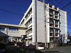 昭島市立清泉中学校まで1200m(徒歩15分)