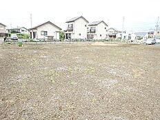 敷地は約91坪と広々しております。