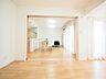 リビング横にある居室引き戸をあければ開放感が増します。来客時には大空間で使えます。,3LDK,面積72.82m2,価格4,199万円,西武新宿線 田無駅 徒歩4分,,東京都西東京市田無町3丁目