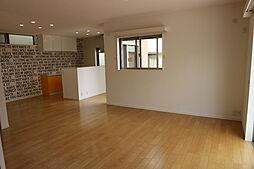 神戸市垂水区南多聞台6丁目 中古戸建 4LDKの居間