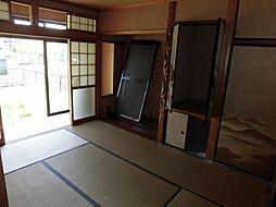 現在リフォーム中 4月13日撮影1階南側階和室です。天井、壁のクロスを張り替え、畳は表替えを行います。