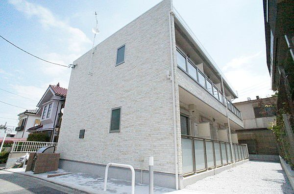 東京都町田市成瀬が丘2丁目の賃貸アパートの外観