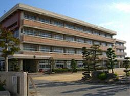 岡山県岡山市南区洲崎3丁目の賃貸アパートの外観