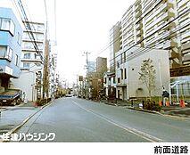 早稲田通り沿い
