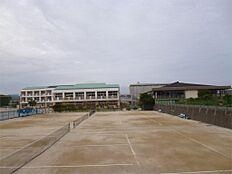日立市立泉丘中学校(1380m)