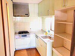 キッチン収納も豊富です
