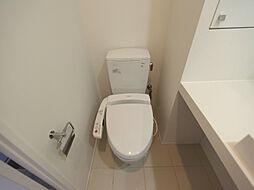 グラン・アベニュー西大須の温水洗浄便座付トイレ