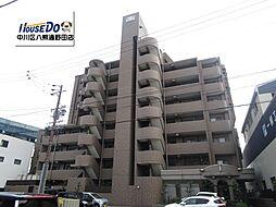 エレベータがマンション中央部分にあり、お部屋まですぐにアクセスすることができます。