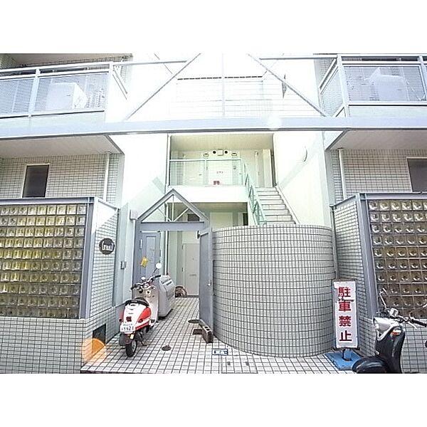 奈良県奈良市学園朝日町の賃貸アパートの外観