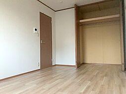 SKアルコバレーノの広々7.5帖のお部屋です