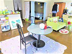 ブルー&グリーンベースのリゾート感のあるお部屋です