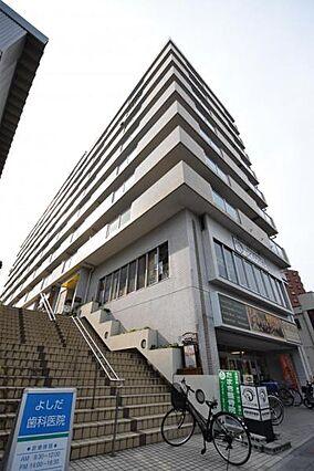 マンション1階...