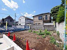 総面積86?超「千川駅」徒歩5分・「要町駅」徒歩10分の立地です(北東側から撮影2018.5)