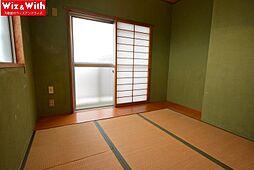 南西側の落ち着く和室です。