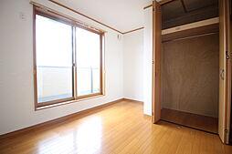 5.3帖の洋室 5.3帖の洋室です クロゼットがあり収納も安心  お問い合わせ ハウスドゥ岩倉師勝店  TEL:0120-051-778