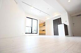 使いやすさ住みやすさを追求したシンプルで飽きのこない3LDKプランは、住まう人へ安らぎと発想の空間を提供します。