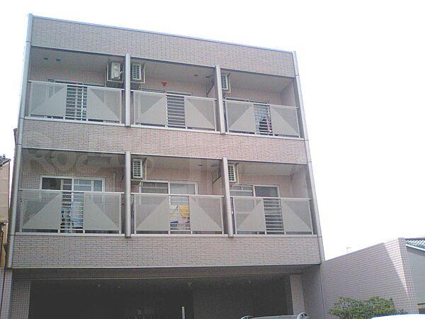 京都府京都市伏見区深草町通町の賃貸マンションの外観