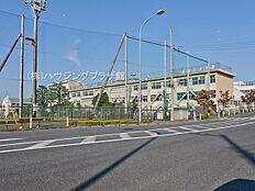 日野市立七生中学校距離1300m
