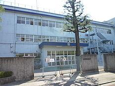 中学校立川市立第三中学校まで1096m