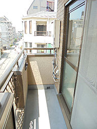 メゾンラフィネの参考画像として同マンション反転タイプのお部屋画像です。